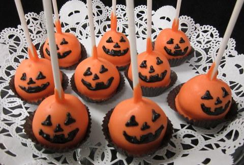 cake pops-pumpkins.JPG