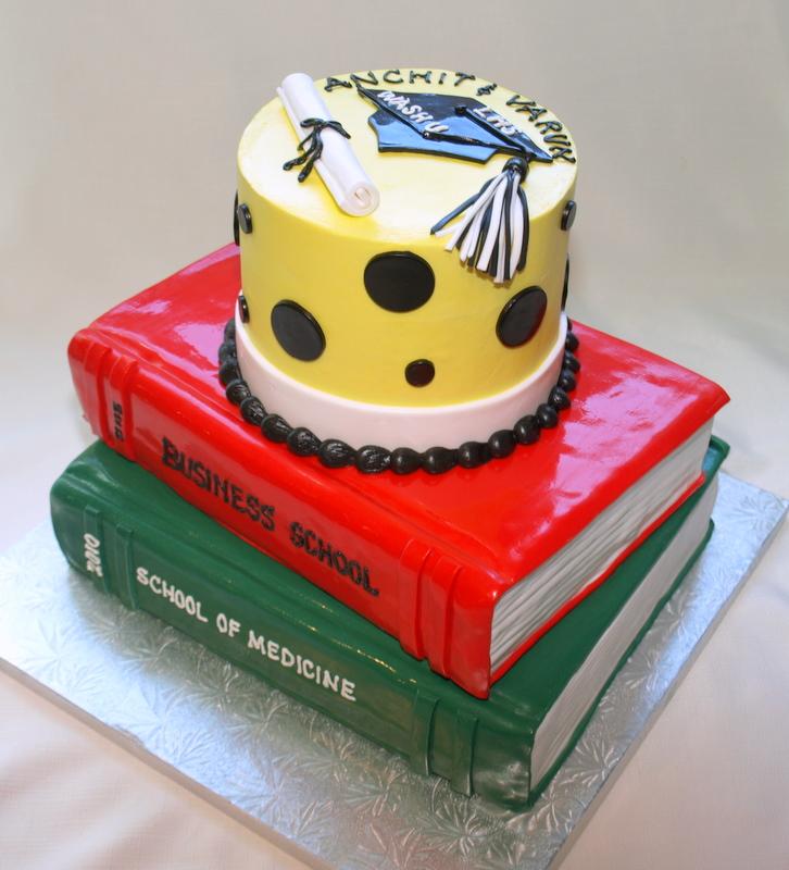 grad_books_cake.JPG
