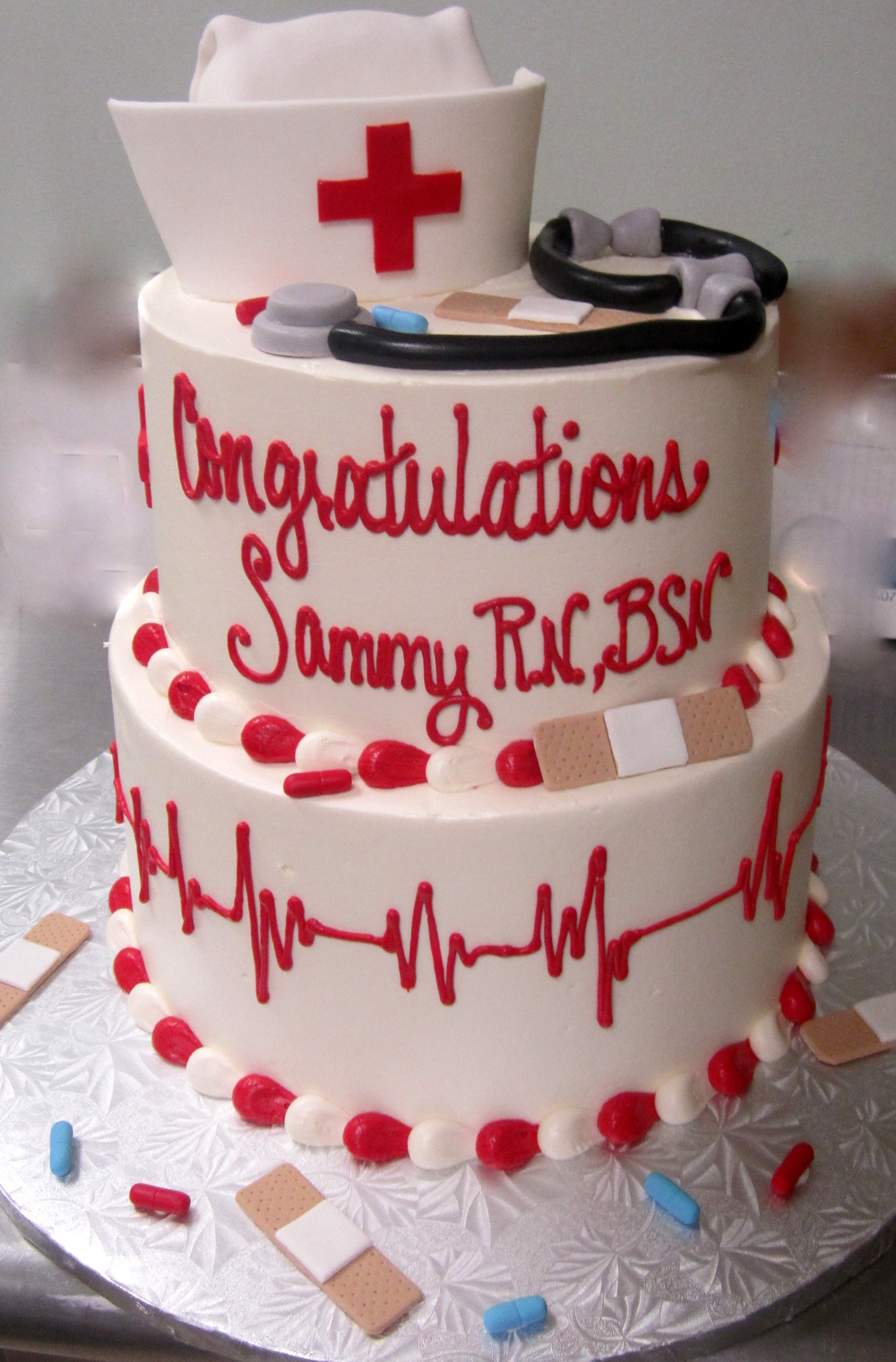 graduation-nurses hat and heartbeat.JPG