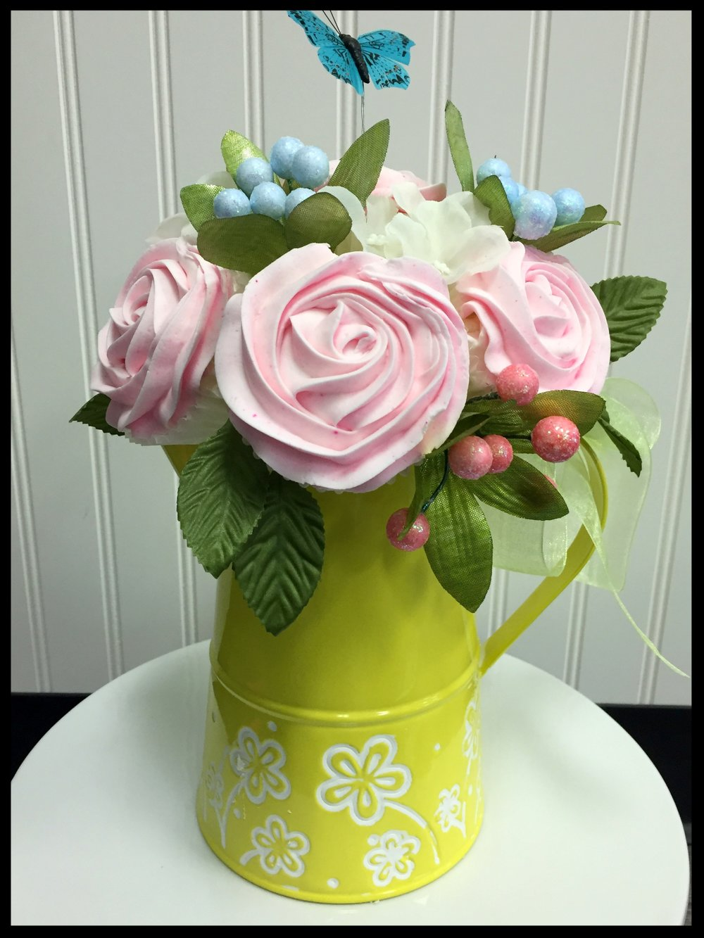 TIN WATERING CAN - 5 CUPCAKES
