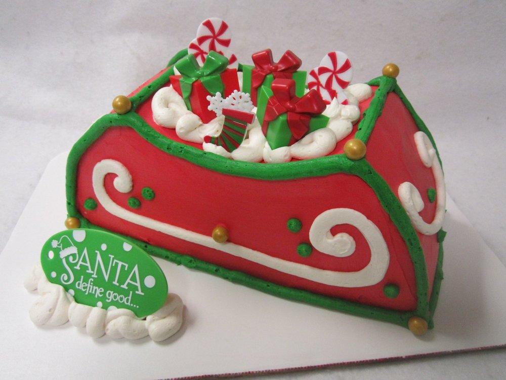santas sled cake.jpg