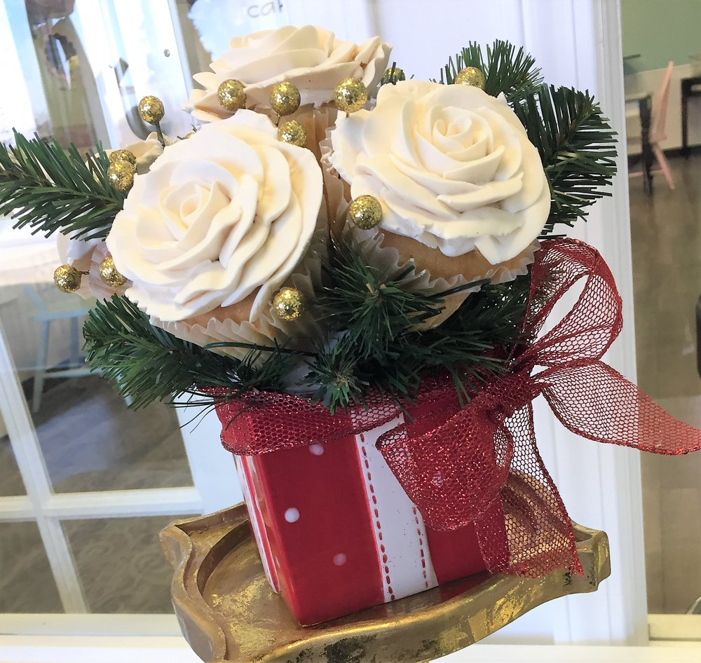 christmas cube cupcake bouquet.jpg