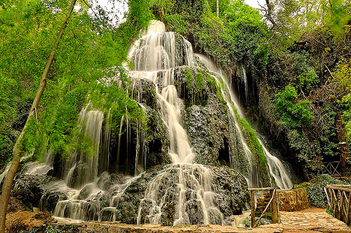 cascada-monasterio-piedra.jpg