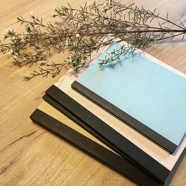 Ne sont-ils pas beaux tous les 3 ensemble nos cahiers ? 💙 Le réassort sera demain sur le site ! #cahiersh #cahiercurieux #freetolearn