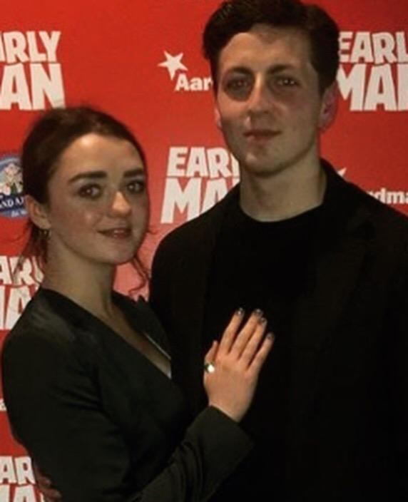 Maisie Williams wears the 2 Face Ring