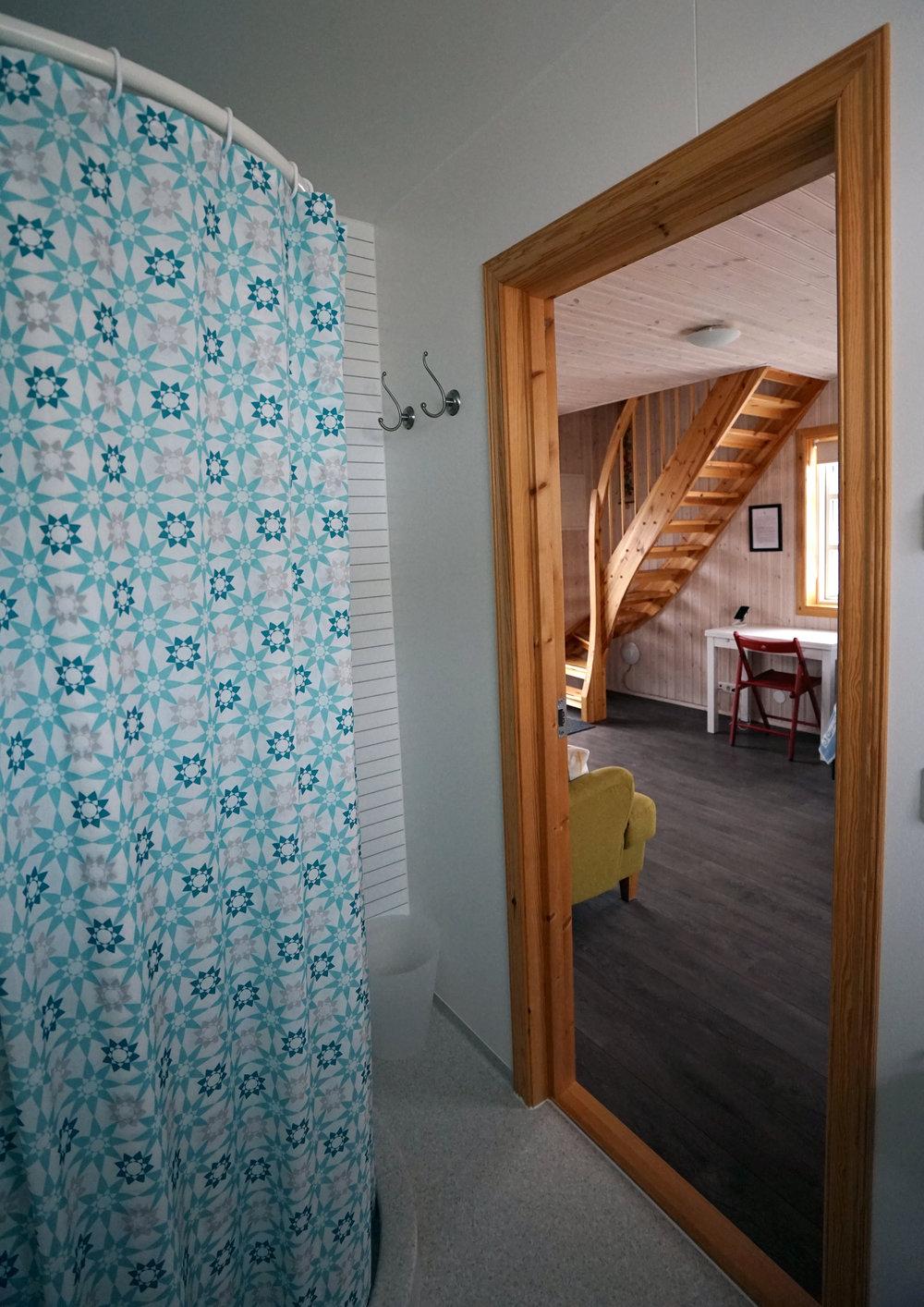 klængshóll-cabin-bathroom-02.jpg