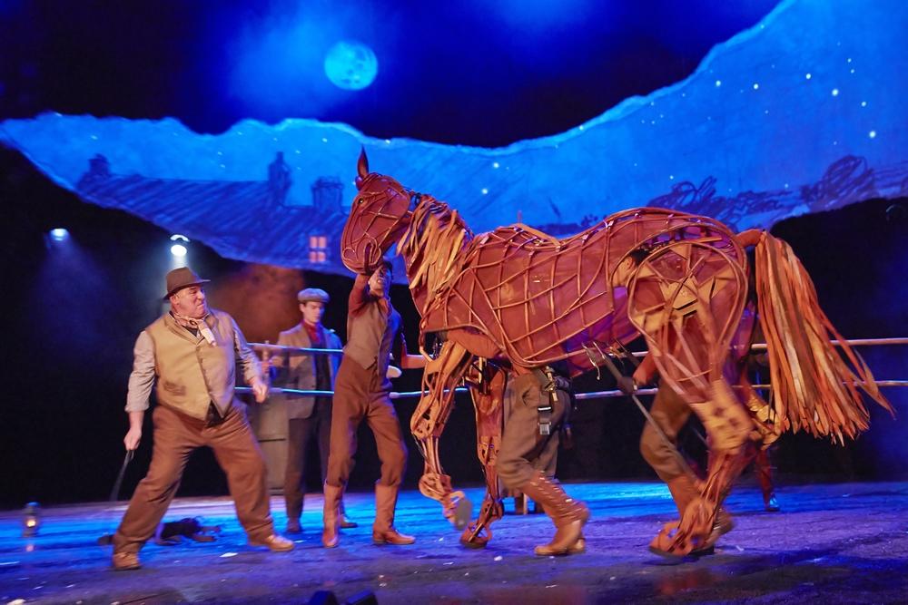 Gefährten (War Horse) , Theater des Westens, Berlin