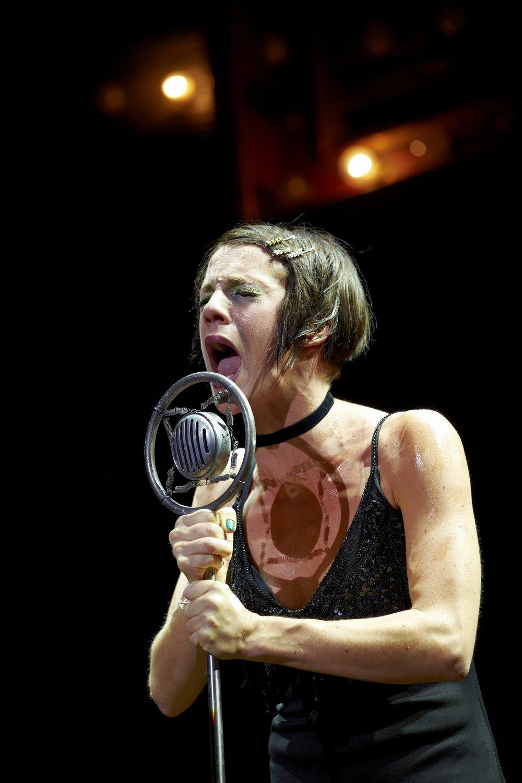 Cabaret  , Théâtre Marigny, Paris   Claire Pérot
