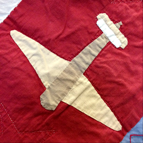 Making an airplane quilt has long been on my wish list, and this plane is done in a way I haven't seen. Have you seen any like this before? It's really special.