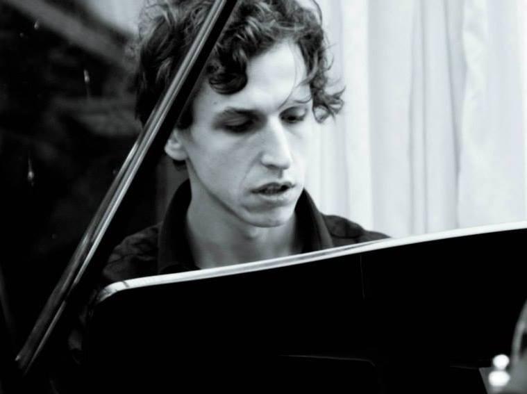 10_Me Piano.jpg