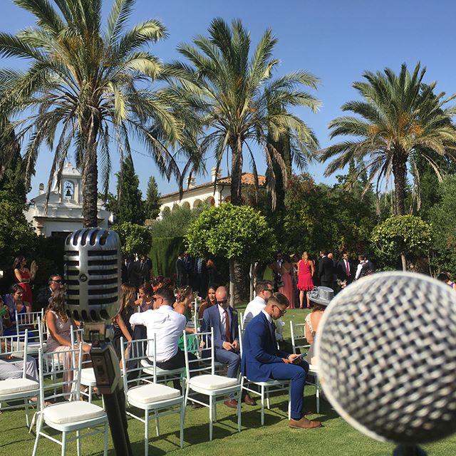 Amazing venue for today's gig in #Spain 🎸 🌡 🎤 🙌🏻 #livemusic #singersongwriter #gig #live #microphone #bose #bosel1 #shure #weddinggig #wedding #singer #palmtrees #poolside #bakinghot #sunshine