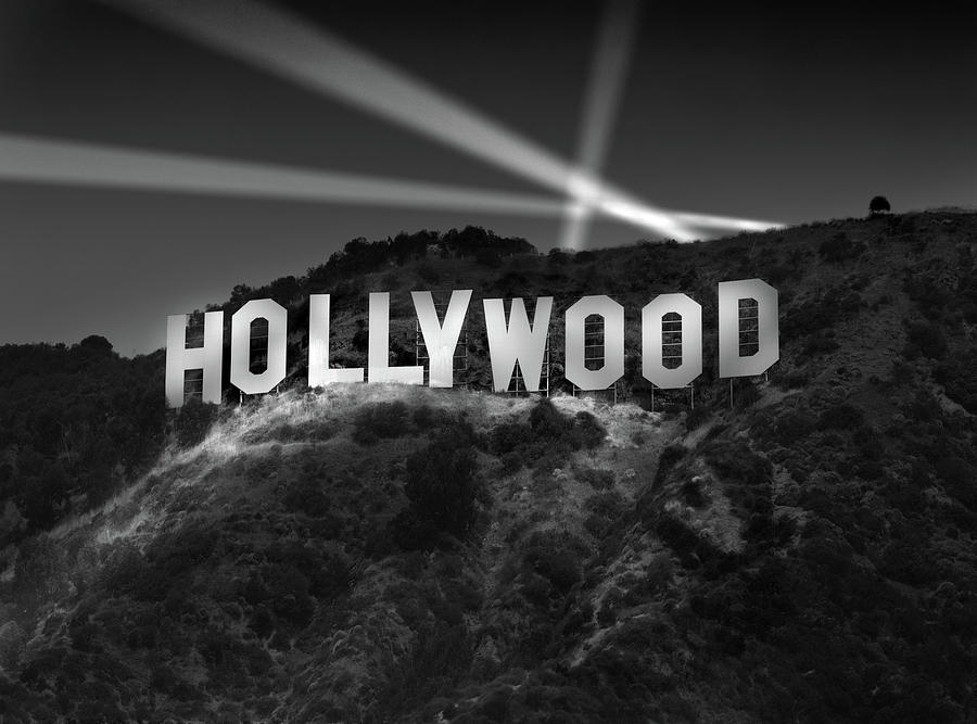 hollywood-sign-at-night-richard-lund.jpg