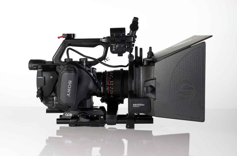 It's robust, lightweight, does the business, and looks beautiful with the FS5. But...