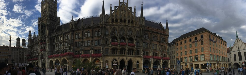 Marienplatz, Munich - taken with an iPhone 6s Plus, pano, hand-held, ISO 25, f/2.2, 1/1789
