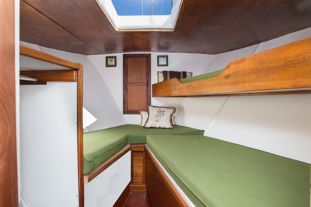 V Berth Seating