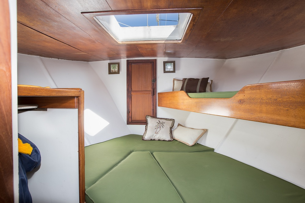 V Berth Bed