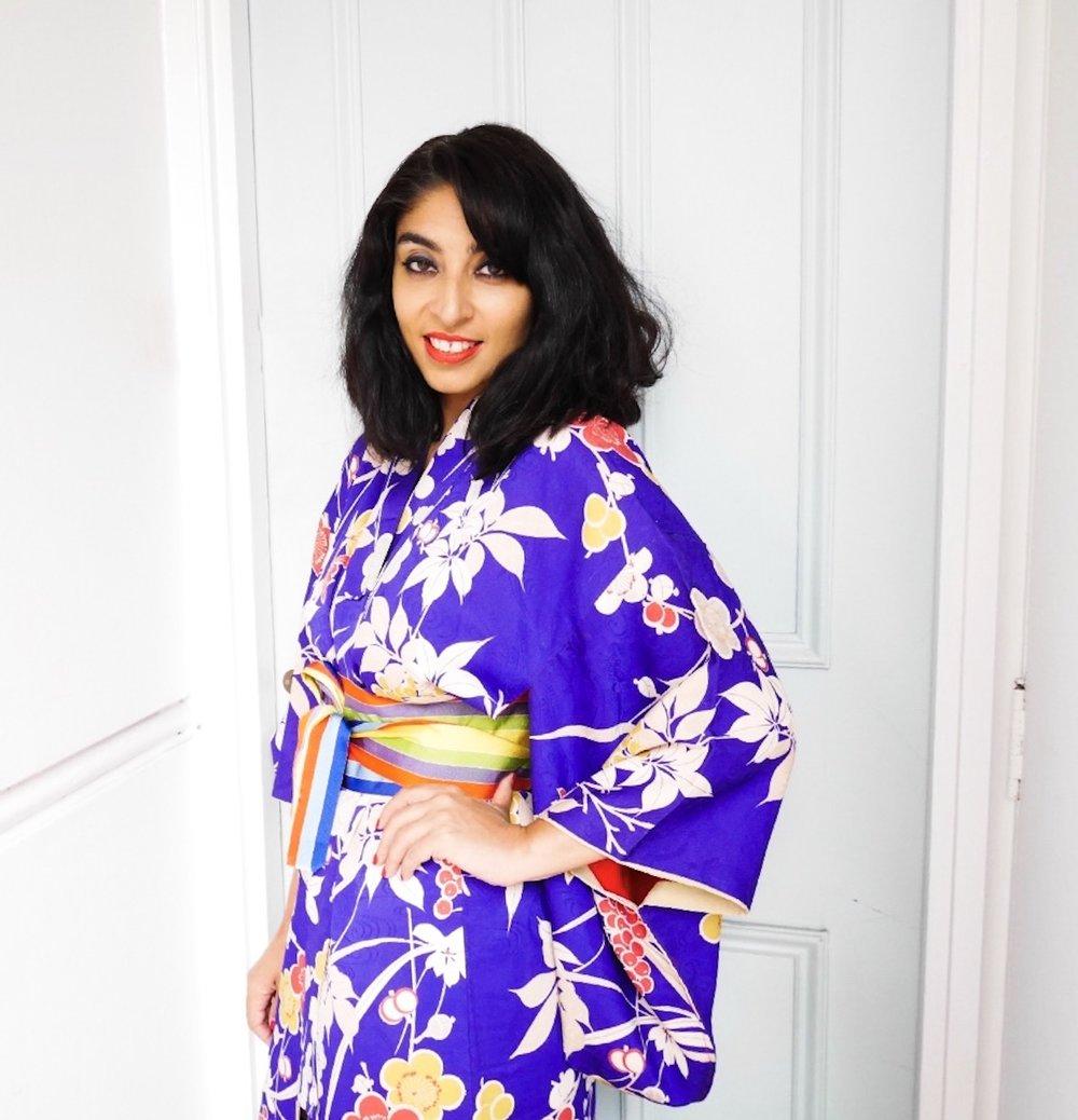 Wearing -Furuki-yo-Kimono-Vintage