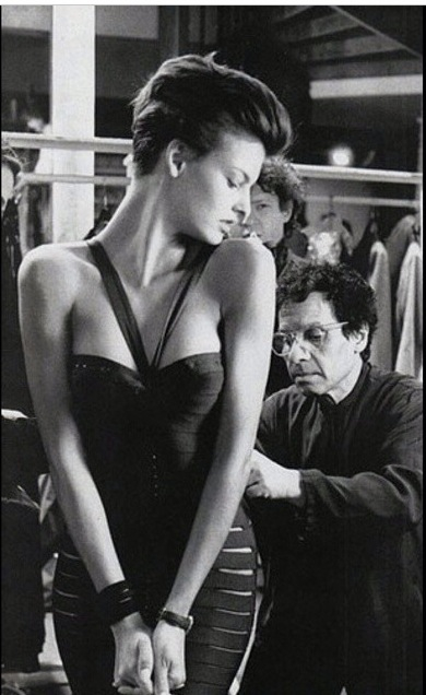 Alaïa with Linda Evangalista at his atelier
