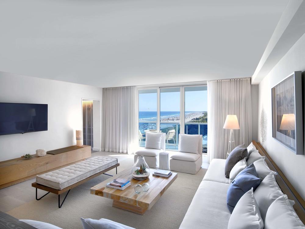 Suite - Living Area.jpg