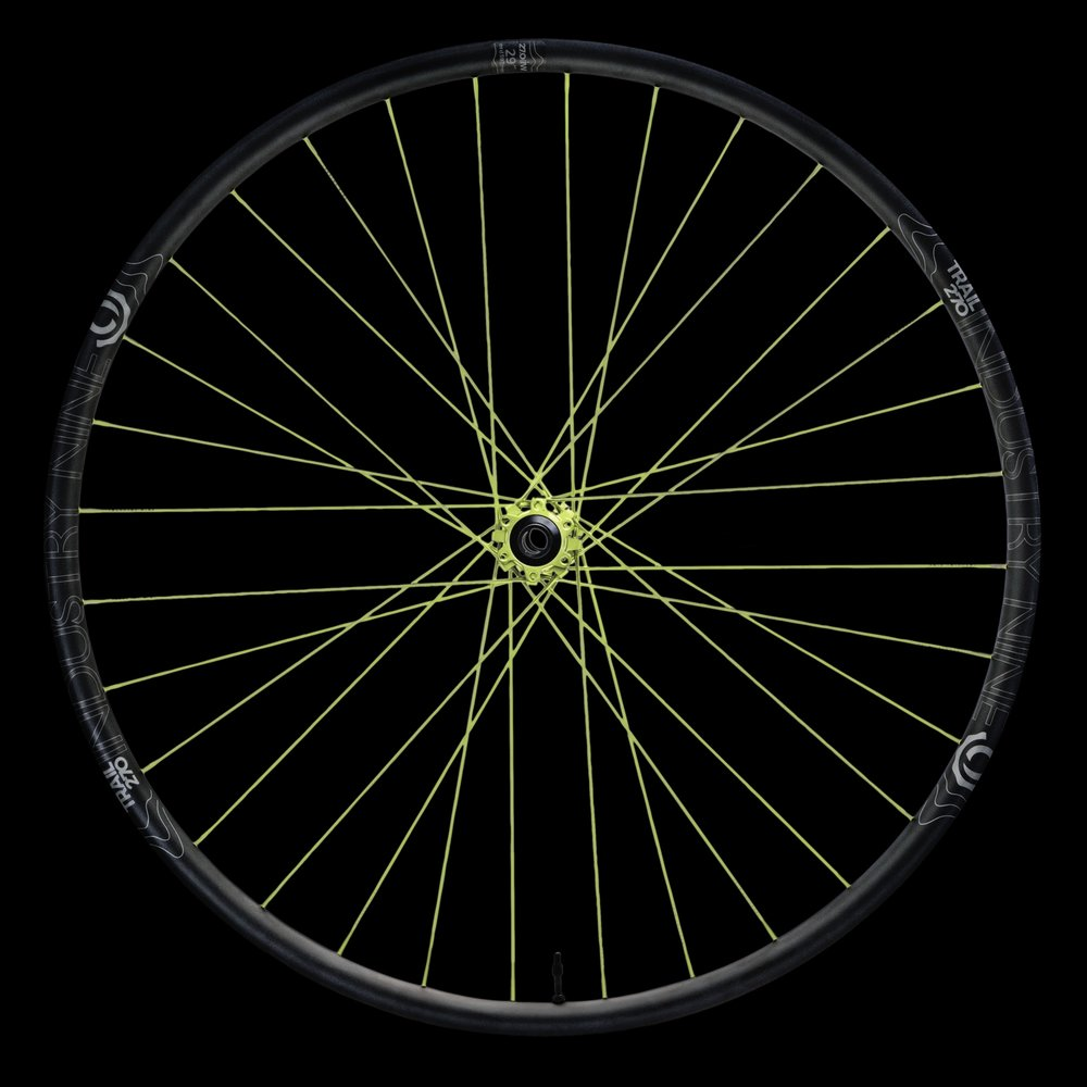 Product_-_Wheelsets_-_Mountain_-_Trail_270_-_Color_-_29_-_32h_-_DSC03146-_ON_BLACK_WEB.JPG