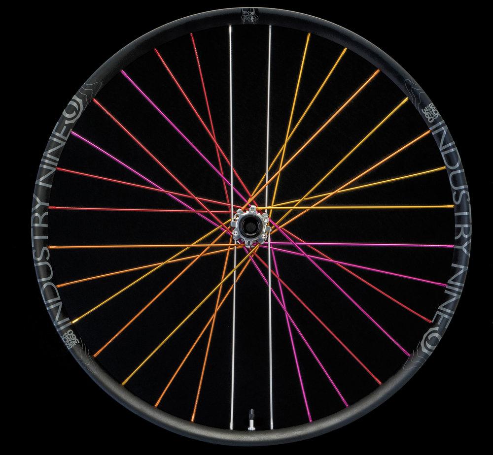 Product - Wheelsets - Plus & Fat - BC360 - Color - 27.5 - 32h - FRONT - DSC05127_WEB.JPG