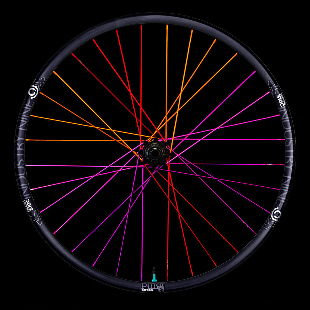 Enduro310C - Purple Turquoise - 32 Hole -Black Background - Rear Wheel_WEB.JPG