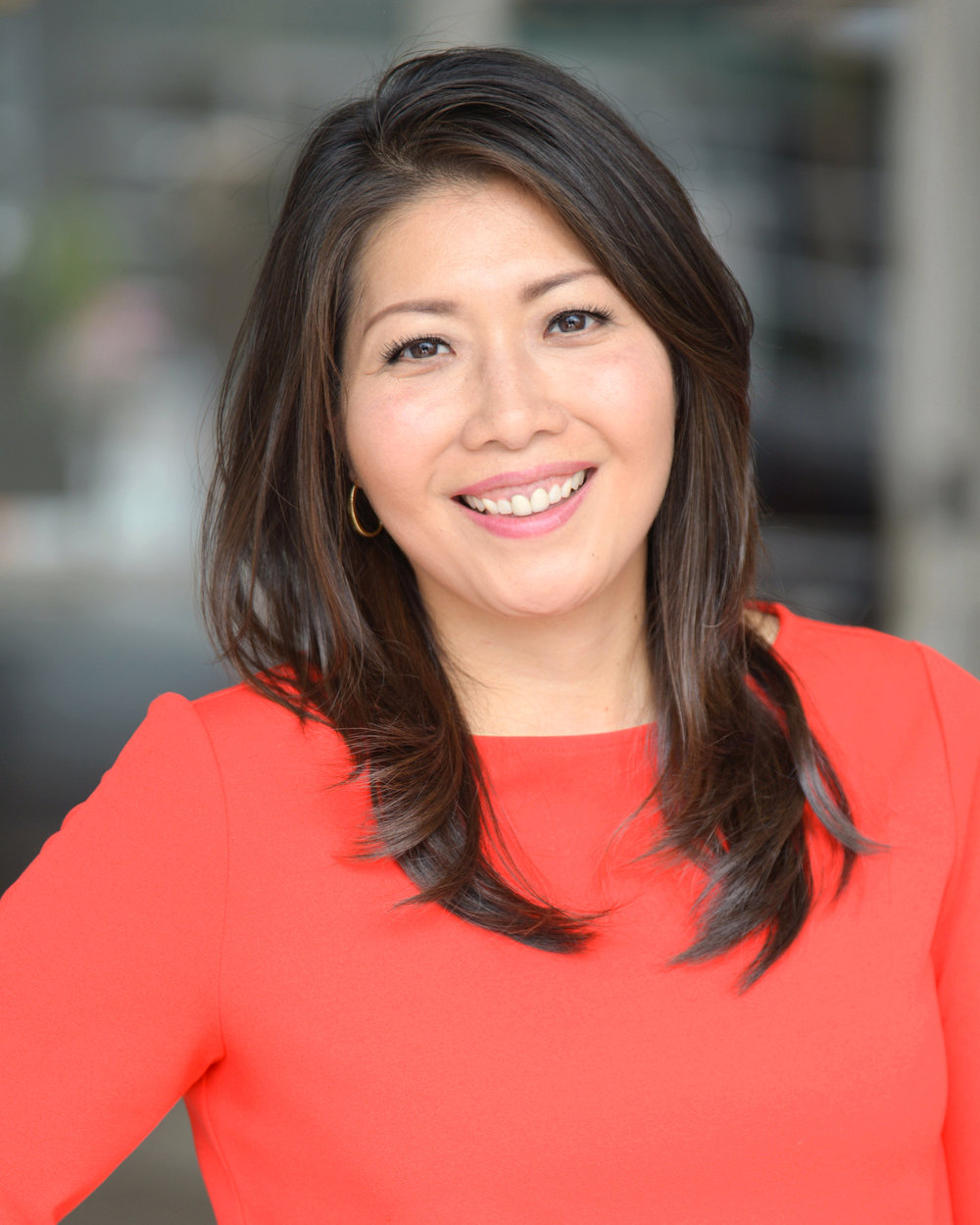 Susan Oh   Susan Sim Oh is co-owner of WKTB-CD, a local Class A television station in the Atlanta DMA broadcasting top-tier Spanish and Korean broadcast networks, serving the area's fastest growing minority groups. Oh is also Managing Partner for Telemundo Atlanta, a premier Spanish-language television station. Oh has garnered the coveted Overall Station Excellence Emmy® Award for 2013, 2014, 2016, and 2017. Oh received her Executive MBA from Georgia State University and her Bachelors of Science in Broadcast Journalism from the University of Illinois - Urbana Champaign. Oh is married with two children and resides in Brookhaven.