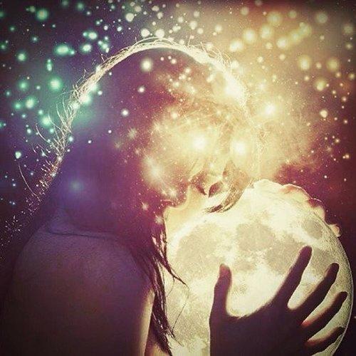 virgo full moon kiss.jpg