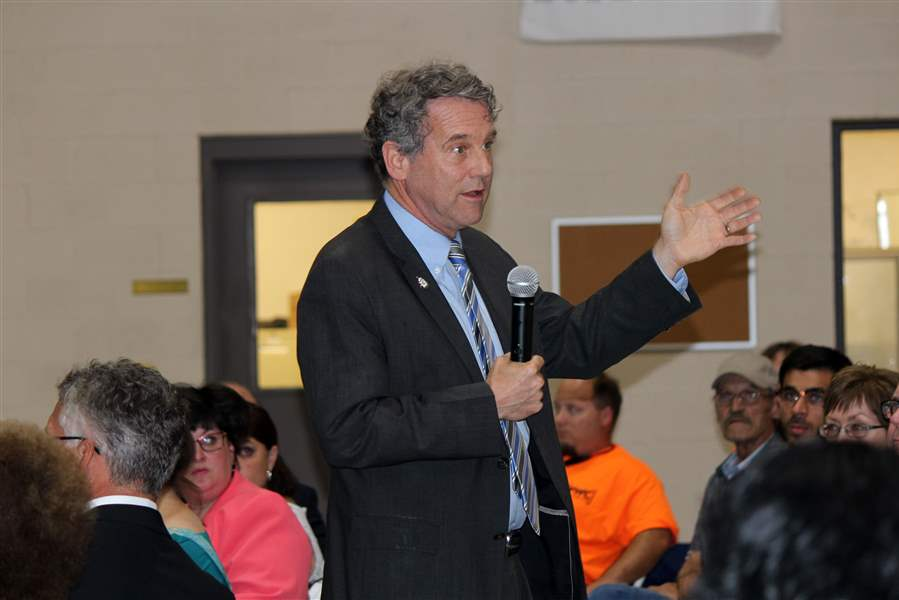 Sen. Sherrod Brown spoke to leaders and employees of Supply Side USA.