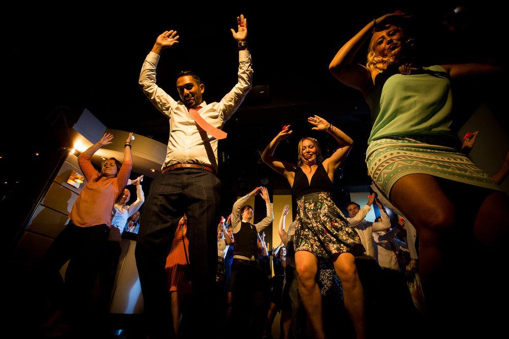 Flashmob op een bruiloft! Hoe vet!