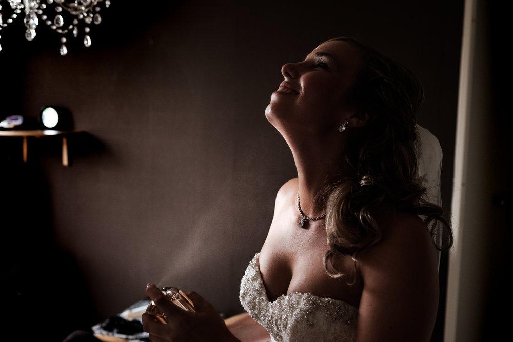 De bruid bereid zich voor in Sint Philipsland