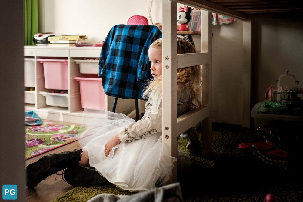 wachten bruidsmeisje dochter bruidspaar