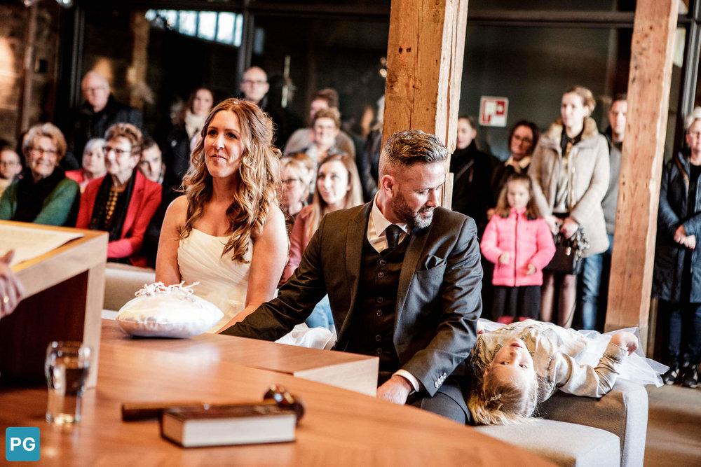 ondersteboven bruidsmeisje