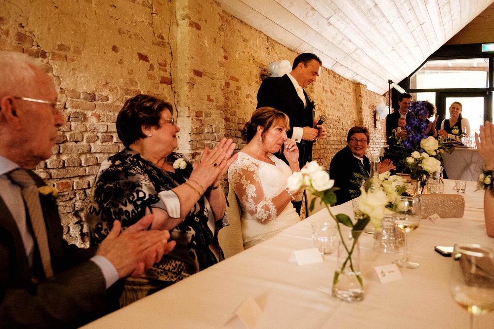 speech bruidegom trouwfoto's familie