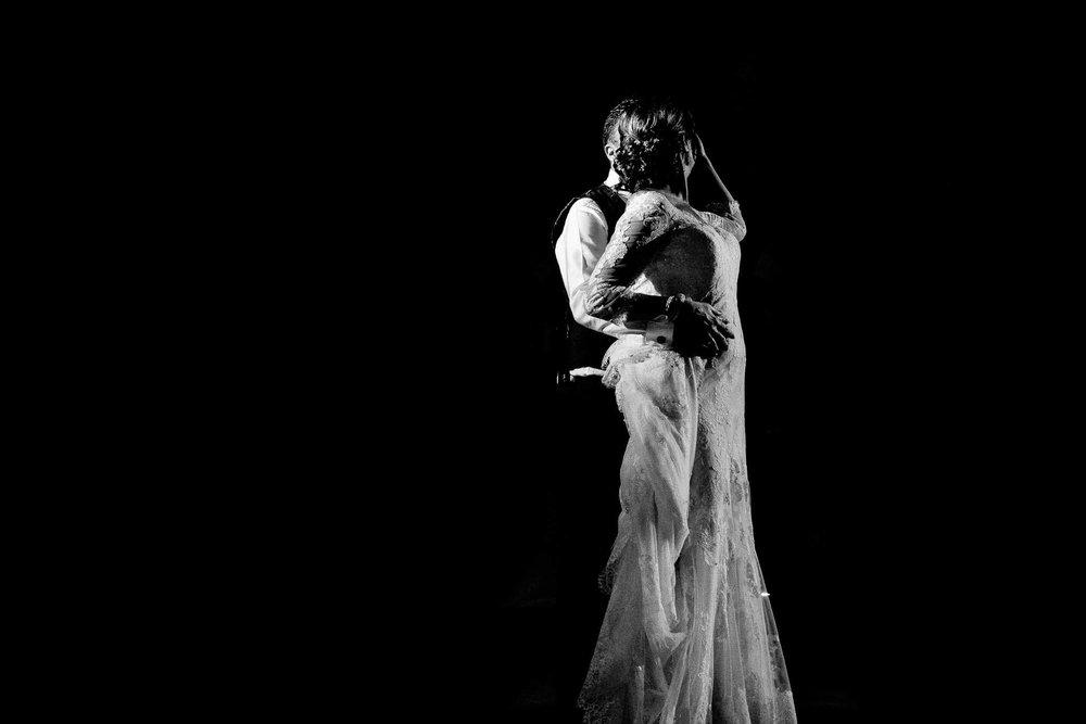 Openingsdans bruidspaar petergeluk bruidsfotografie