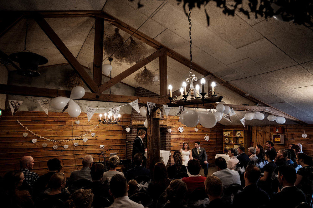 Gemeente Reuzel trouwen bruidspaar ouders bruidegom