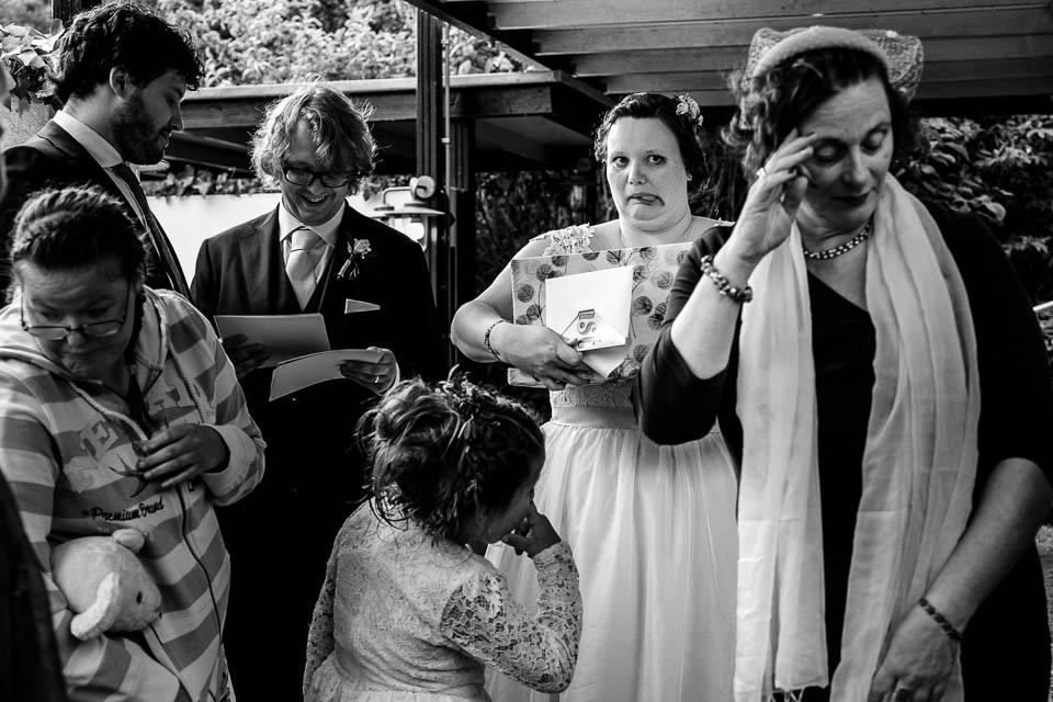 Love Rules journalistieke bruidsfotografie. Gewoon lekker jezelf zijn.