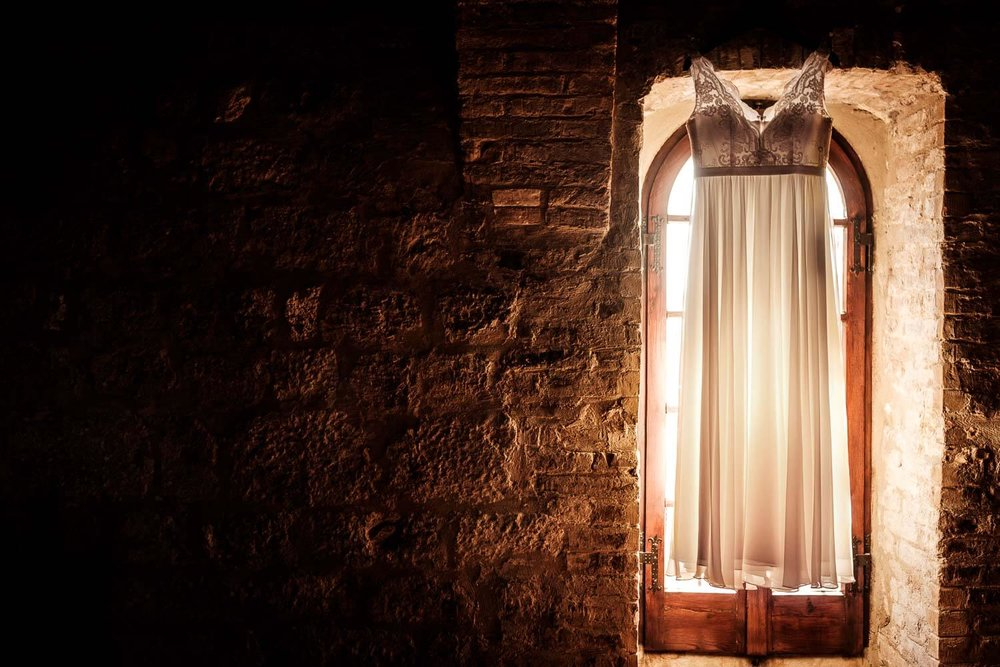 Bruidsfotograaf Toscane Italië bruidsjurk