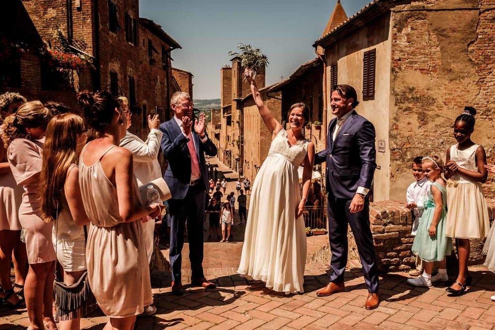 Bruidsfotograaf Toscane Italië ontvangst bruidspaar