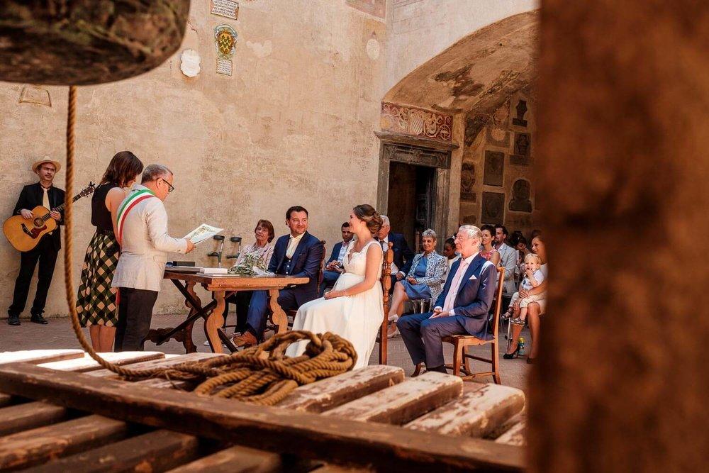 Bruidsfotograaf Toscane Italië ceremonie bruidspaar