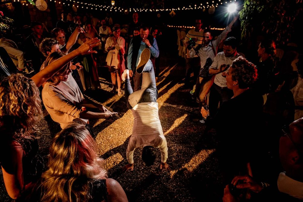 Bruidsfotograaf Toscane Italië breakdance