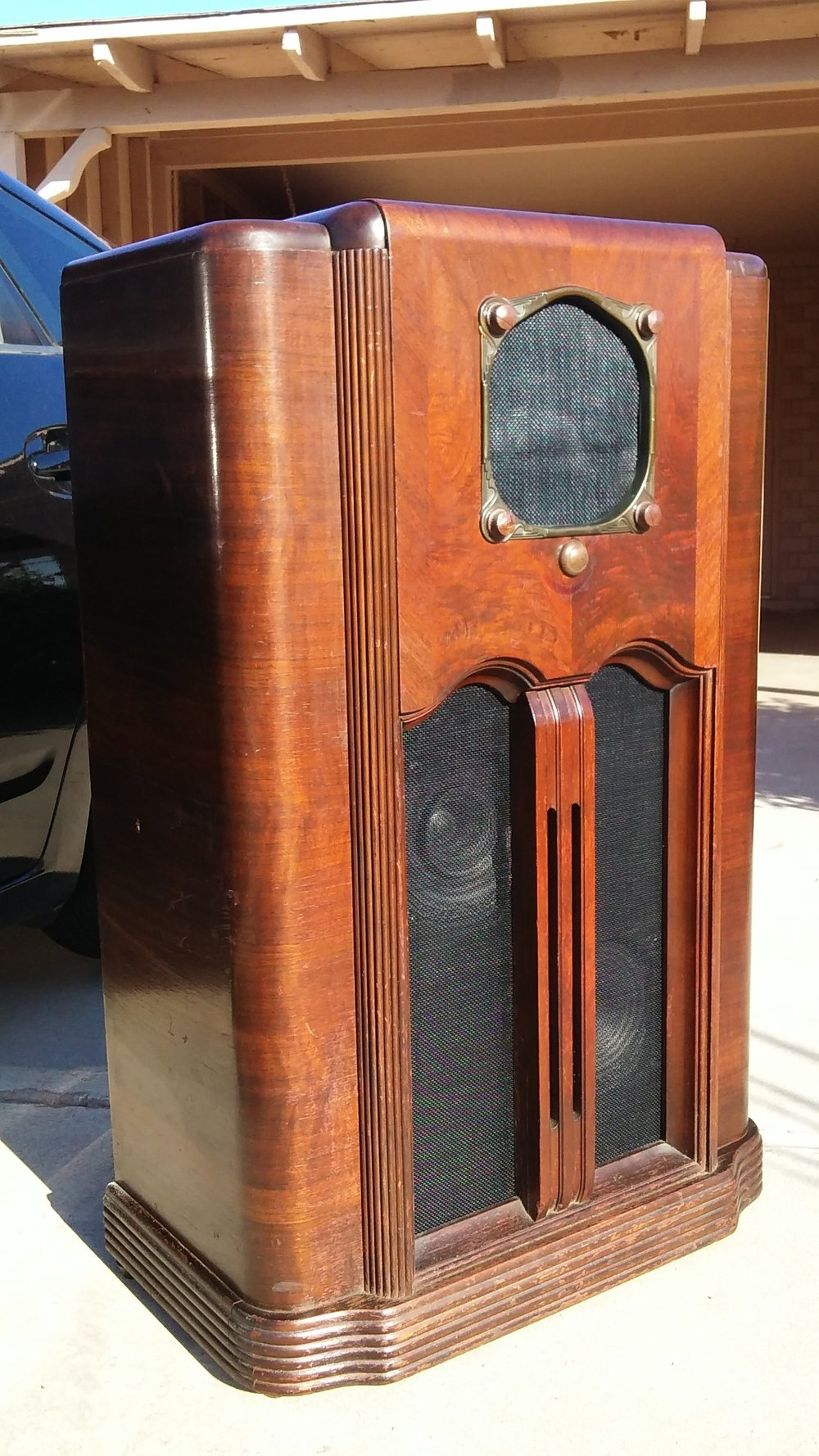 Zenith 10 S 155 Antique Radio Cabinet Now An MP3/iPod Player!