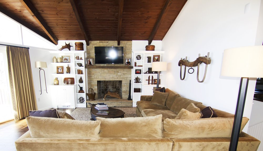 Taub lake house family room.jpg