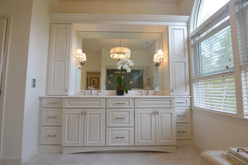 Deleo bathroom double vanity.jpg