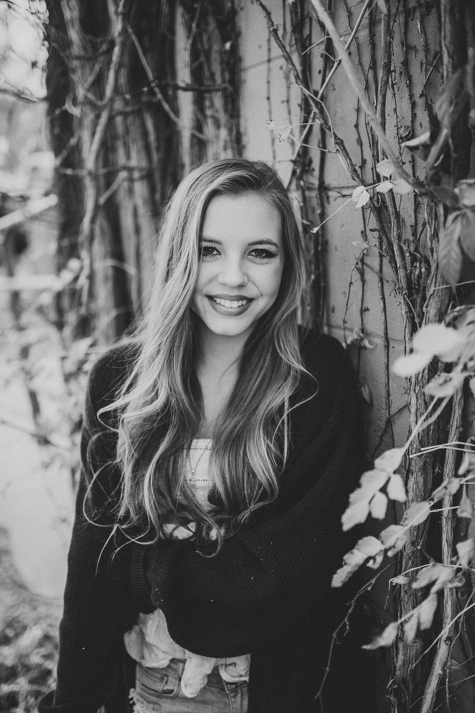 HannahSagerSenior2016-109.jpg