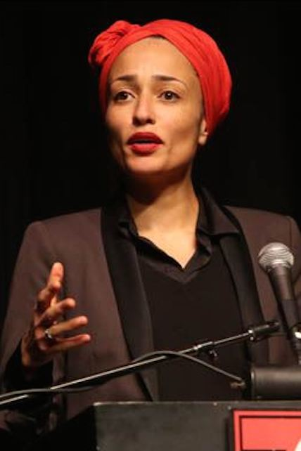 Zadie-Smith-addresses-a-group-of-more-than-100-people.jpg