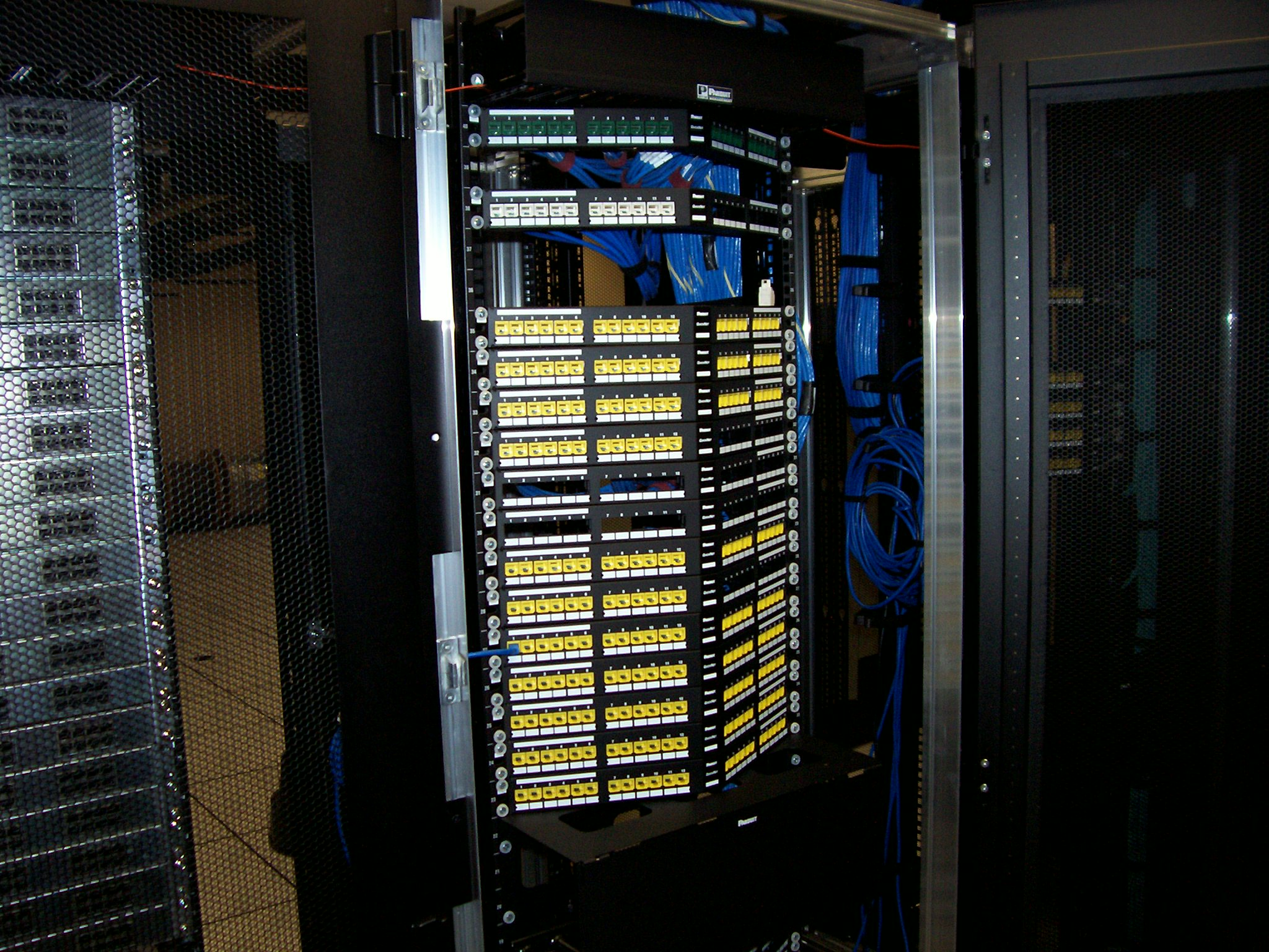 Structured Cabling Triad Clean Network Wiring Closet Iha Data Center30 Project Up