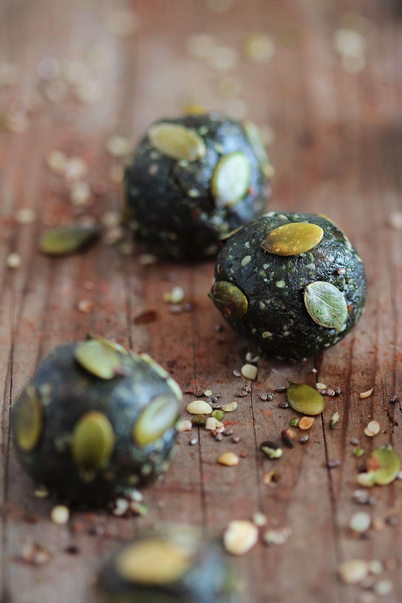 Spirulina-Energy-Balls.jpg