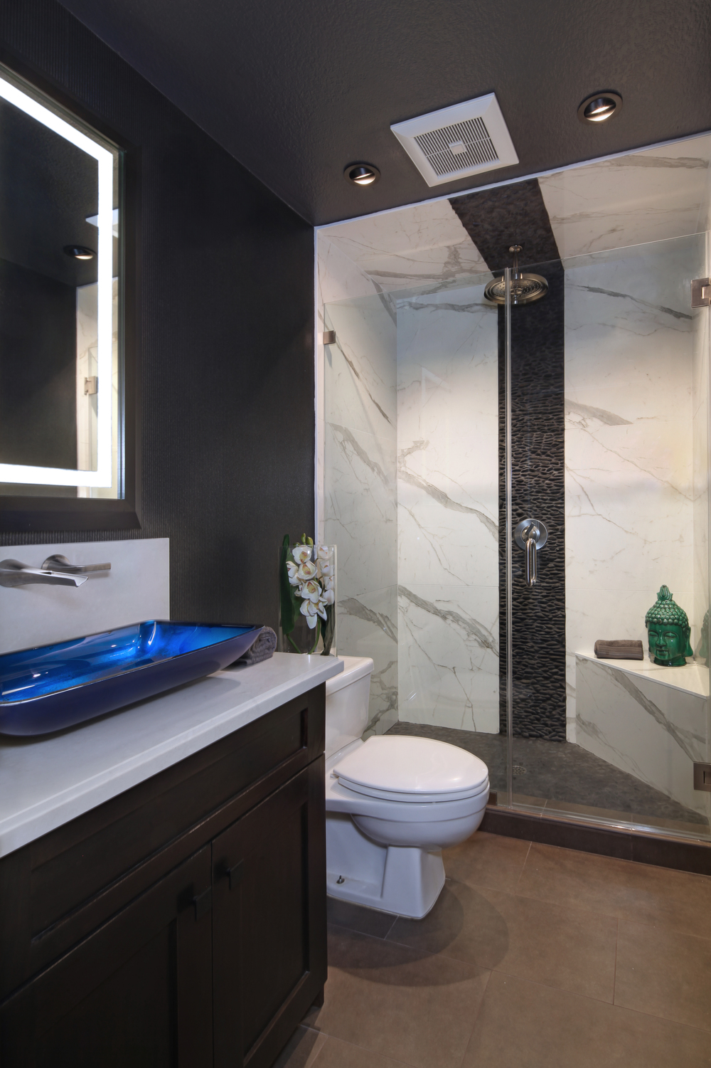 7848SanLuisDr05Shower.jpg
