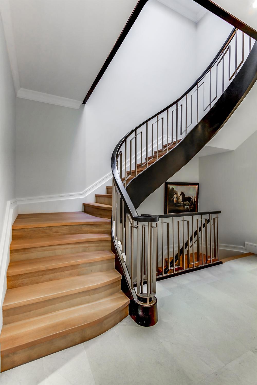 1028 - Sandringham Stairs.jpg